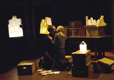 Coburn Goss (left) and Polly Noonan (right) in Dead Man's Cell Phone by Sarah Ruhl, directed by Jessica Thebus at Steppenwolf Theatre March 27 – July 27, 2008.