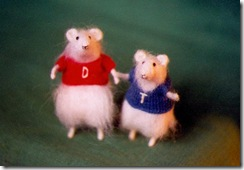 These 2 thespian mice from Goodman stand for their bows.