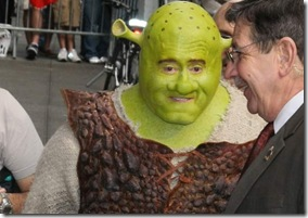 Regis Philbin - Shrek the Musical