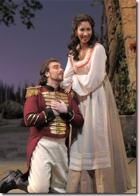 09. Gabriele Viviani, Nicole Cabell. The Elixir of Love. DBR_4986 c. Dan Rest