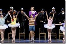 Billy Elliot - Mily Skinner, Cesar Corrales and Cast