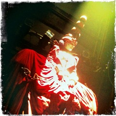 lookingglass-molly brennan as the red queen