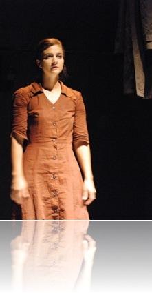 Melissa Hawkins plays Juliet by Andras Visky 2