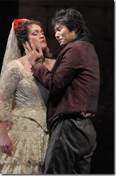 Katharine Goeldner and Yonghoon Lee - Act III of Carmen, Lyric Opera - photo by Dan Rest